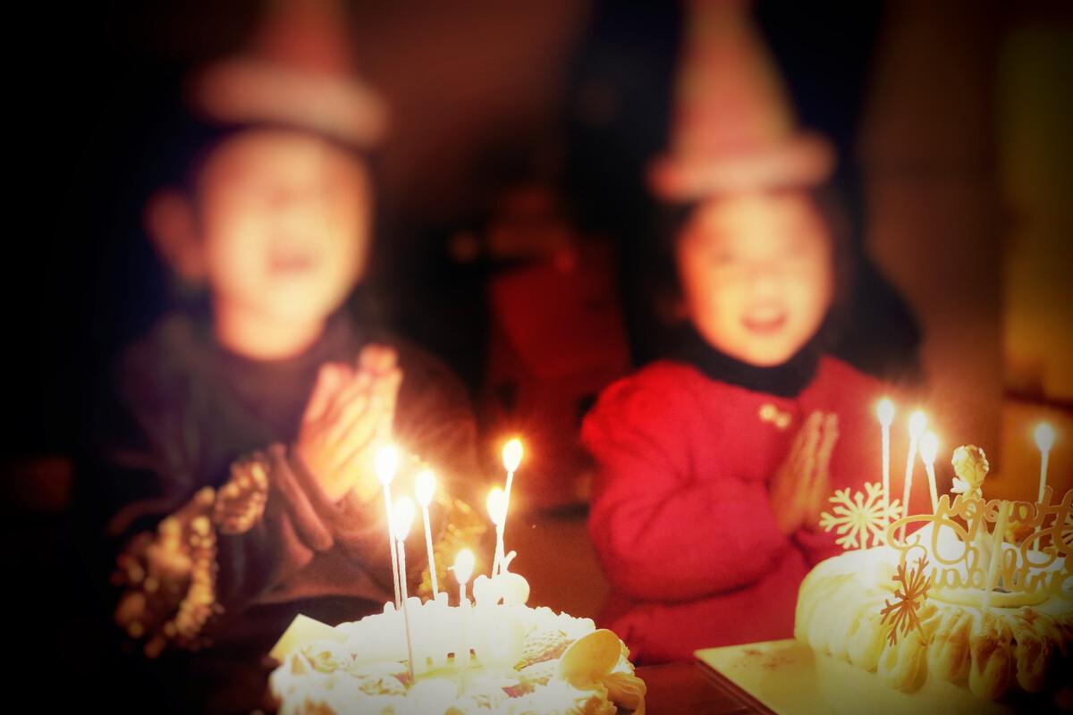 【11点红包】他们的生日你还记得吗?你有多久没有陪父母一起过生日了?