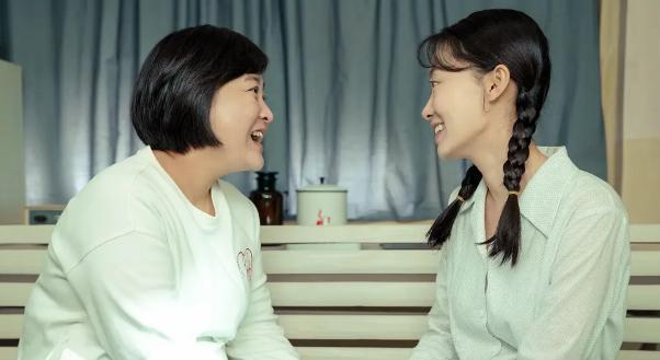 【11点红包】如果你遇见年轻时候的妈妈,你会对她说什么呢?
