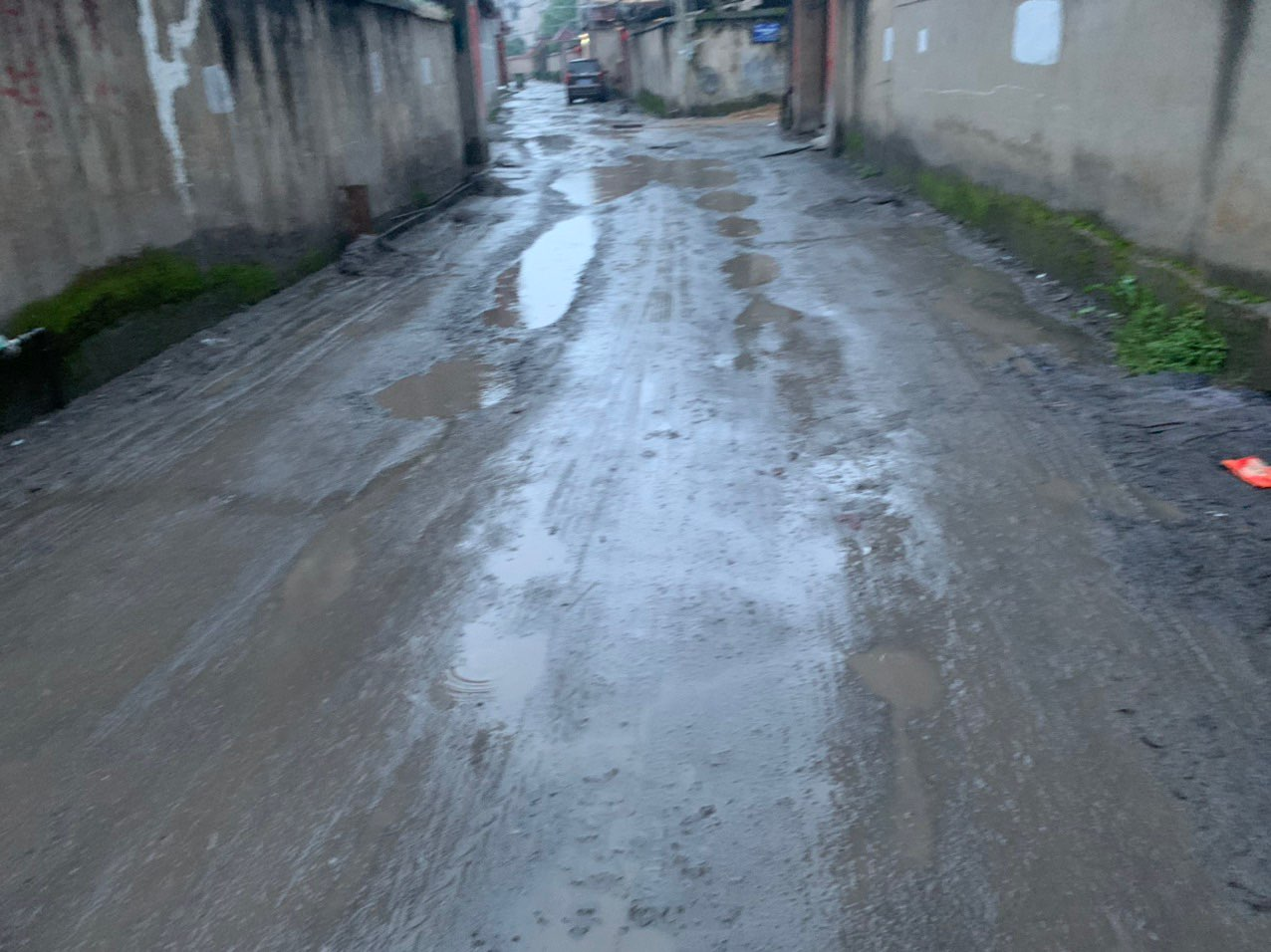 去年12月就挖了,龙门南路附近的路到底什么时候能修?